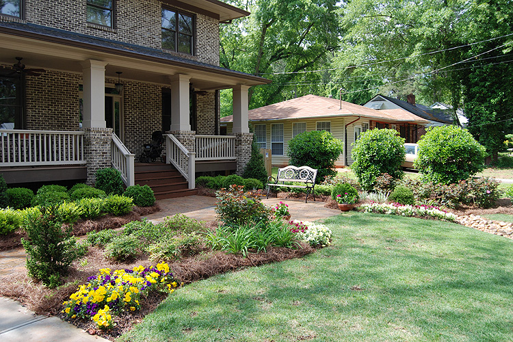 Interesting Ideas To Make Your Backyard Landscape Attractive And